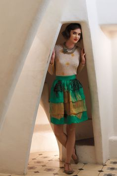 Entry Way/Stair case. I waaant.  I do not even care about her out fit.