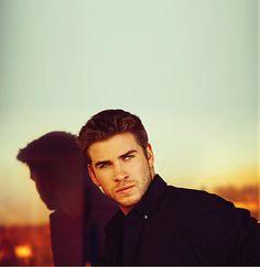 Liam Hemsworth.