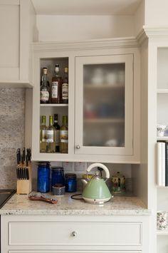 Bathroom Medicine Cabinet, Kitchen Cabinets, Woodworking, Home Decor, Decoration Home, Room Decor, Kitchen Base Cabinets, Joinery, Wood Working