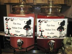 """""""This one makes you taller. This one makes you smaller"""" Azar Alice in Wonderland Mad Hatter Tea Party Food -Laura-for your party! Alice In Wonderland Food, Alice In Wonderland Tea Party Birthday, Alice Tea Party, Wonderland Party, Mad Tea Parties, Mad Hatter Party, Mad Hatter Tea, Mad Hatter Birthday Party, Birthday Drinks"""