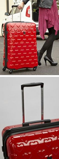 When picking out luggage get something that really sticks out and it will make your life easier at the carousel because you'll spot it quickly.