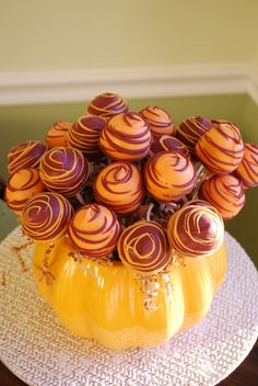Fall/Thanksgiving Cake Pop Display...such a cute idea (Candy Cake Pops)
