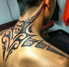 difference between polynesian and filipino tattoos Tattoo Crane, Hawaiianisches Tattoo, Backpiece Tattoo, Samoan Tattoo, Back Tattoo, Tatoo Neck, Neck Tattoo For Guys, Tattoos For Guys, Hals Tattoo Mann