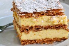 Cream slices - recipe - The delicious cream slices are prepared with tender puff pastry. Peanut Butter Desserts, Vegan Desserts, Fun Desserts, Dessert Recipes, Dessert Sushi, Easy Vanilla Cake Recipe, Easy Cake Recipes, Torte Recipe, Winter Desserts