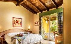 Camere del Resort Cruccuris a Villasimius