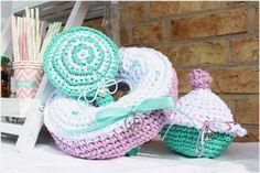 Candybar für Hochzeiten, Kinderfeste, immer dann, wenn viele Kinder dabei sind, gehäkelter Donut, Lutscher und Muffin, aus Textilgarn
