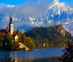 Mountain Lake - Idyllic in Slovenia | Bergsee - Idyll in Slowenien