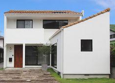 【リフォーム・リノベーション事例】築34年の住宅をリノベーション。外壁も白く、瓦屋根で外観もガラッと変わりました。