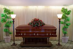 Toate acestea sunt mai simple si mai economice daca folositi un pachet de servicii funerare din Bucuresti sau din restul tarii. Agentiile funerare au...
