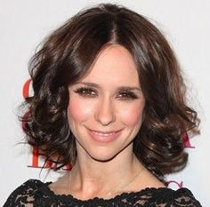 36 Reasons to Cut a Few Inches Off Your Long Hair: Jennifer Love-Hewitt's Shoulder-length Cut