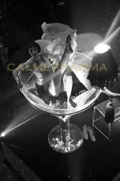 Burlesque dancer in a giant martini glass for meet and greet creates a fantastic atmosphere for Vegas as soon as guests arrive Cabaret Show, Gatsby Themed Party, Party Eyes, Corporate Entertainment, Burlesque Show, Cotton Club, Roaring 20s, Fast Cars, Corporate Events