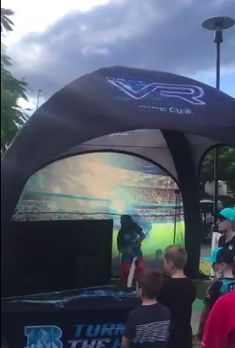 The @HeatBBL #AR/#VR walk at @GabbaBrisbane is part of their outstanding mixed reality app. Here fans can watch memorable moments from Brisbane Heat's history. #BBL07 #FanEngagement #TurnUpTheHeat https://twitter.com/MrBlairHughes/status/945916275556999169