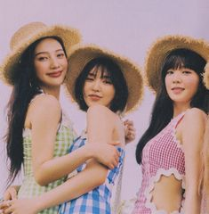 Find images and videos about aesthetic, soft and red velvet on We Heart It - the app to get lost in what you love. Wendy Red Velvet, Red Velvet Irene, Seulgi, Kpop Girl Groups, Kpop Girls, My Girl, Cool Girl, Queens, Girl Cakes