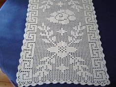 Crochet Placemats, Crochet Table Runner, Free Crochet, Crochet Top, Fillet Crochet, Crochet Decoration, Crochet Flowers, Table Runners, Diy And Crafts