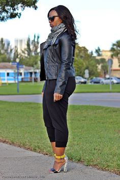 Weekend Wear: Sweats and Heels - Curves and Confidence Curves And Confidence, Curvy Women Fashion, Womens Fashion, Looks Plus Size, Miami Fashion, Plus Size Fashion For Women, Weekend Wear, Fashion Pants, Passion For Fashion