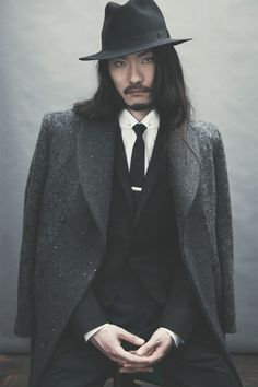 Ozwald Boateng presents his Autumn/Winter '12 collection 'Migration' inspired by the Eastern fusion with Western culture where British hunting attire meets Japanese aesthetic.