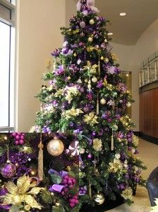 Cristhmas Tree Decorations Ideas : Purple and Gold Christmas Tree Purple Christmas Tree, Christmas Tree Pictures, Peacock Christmas, Beautiful Christmas Trees, Christmas Tree Themes, Noel Christmas, White Christmas, Purple Christmas Decorations, Christmas Tables