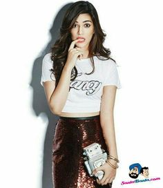 Check out Full Set of HQ/HD pictures, pics, inside scans of Kriti Sanon Hot and Sexy Photoshoot for The Juice Magazine December 2015 Issue. She is looking sexy in the photos Bollywood Girls, Bollywood Stars, Bollywood Fashion, Beautiful Bollywood Actress, Beautiful Indian Actress, Beautiful Actresses, Beautiful Celebrities, Indian Celebrities, Bollywood Celebrities