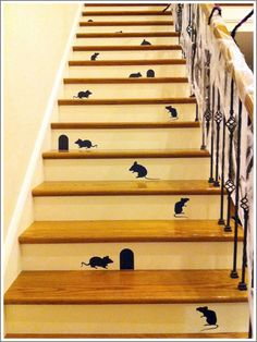 Interior,Attractive Halloween Staircase Decorating Ideas With Beige Wooden Rung…