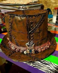 Diy Duct Tape Steampunk Top Hat  •  Free tutorial with pictures on how to make a top hat in under 120 minutes