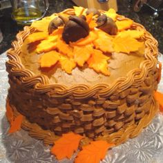Happy Thanksgiving Cake  all decorations made from gumpaste     Happy Thanksgiving Cake  all decorations made from gumpaste  CakesbyLauren    Cakes   Love   Pinterest   Thanksgiving cakes  Happy thanksgiving and