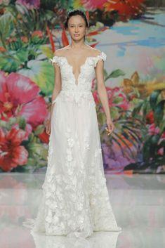 Pretty Wedding Dresses, Gorgeous Wedding Dress, Nice Dresses, Bridal Gowns, Wedding Gowns, Boho Summer Outfits, Bridal Fashion Week, Jenny Packham, Classy Dress