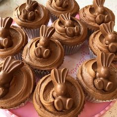MaltEaster Cupcakes getting us through 🐰🐰 Easter Cupcakes, Easter Cookies, Easter Treats, Bunny Cupcakes, Flower Cupcakes, Christmas Cupcakes, Slow Cooker Desserts, Easter Chocolate, Chocolate Malt