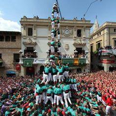 Històrica diada de Sant Fèlix a Vilafranca. Els castellers de Vilafranca han carregat i descarregat 3de10fm