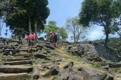 A Trip To Historical Megalith site in Cianjur with host Dewa #Eatwithlocals #food #localfood #homemade #homecooked #Asia #Indonesia #homerestaurant #homedinner #experience #tour #historical #megalith #Cianjur