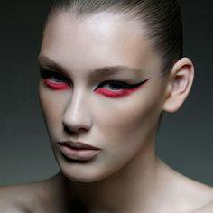 Precision liner Makeup: Elise Ducrot Photographer: Takao Oshima Website: www.takaooshima.com