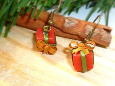 Christmas Earrings, Earrings in present shape, Jewelry Earrings, Polymer clay Earrings