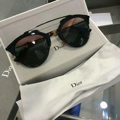 5bfd4017fa1 Newbies • Dior So Real sunglasses