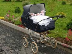 H Pram Stroller, Baby Strollers, Vintage Crib, Prams And Pushchairs, Baby Buggy, Baby Prams, Baby Carriage, Baby Kind, Beautiful Babies