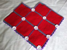 Daisy Poncho..Great visual on just how easy it is to make a granny square poncho..