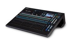 With its responsive touchscreen, 25 motor faders and acclaimed AnalogiQTM recallable preamps, Qu-24 combines exceptional ease of use with class-leading audio performance. Drawing on the technologies a