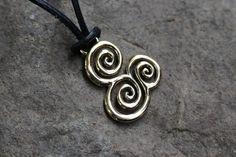 Triple spiral Pendant Wicca, Spiral, Celtic, Washer Necklace, Pendant, Bracelets, Leather, Jewelry, Bangles