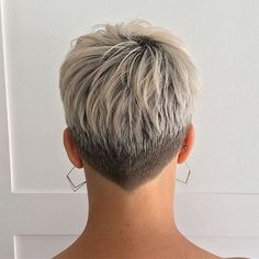 35 Best Short Pixie Haircuts For 2019 - - Hair Beauty - Qoster Funky Short Hair, Short Grey Hair, Short Hair Cuts For Women, Short Hair Styles, Hairstyles Haircuts, Cool Hairstyles, Cute Short Haircuts, Fade Haircut, Shaved Hair