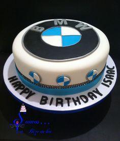BMW cake. Para los amantes de los autos BMW, pasta laminada.