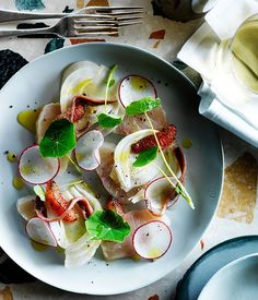 Kingfish crudo, burnt ruby grapefruit, pickled fennel and anchovy Chef Recipes, Raw Food Recipes, Seafood Recipes, Anchovy Recipes, Fennel Recipes, Tapas, Sydney, Recipe Search, Gourmet