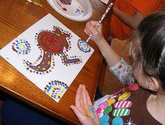 Ten kids and a Dog: Sunday Art lessons-Aboriginal dot art Aboriginal Education, Aboriginal Dot Painting, Indigenous Australian Art, Indigenous Art, Australian Animals, December Holidays Around The World, Visual Art Lessons, 2nd Grade Art, Global Art