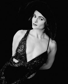 helena bonham carter Helena Bonham Carter, Helen Bonham, Helena Carter, Tim Burton, British Actresses, Actors & Actresses, Le Talent, Johny Depp, Lady Jane