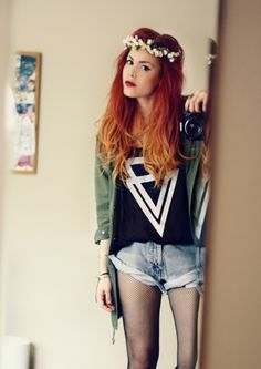 red/copper ombre. If i was brave, I would so do this to my hair.