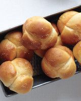 """Whether you prefer buttery rolls or flaky biscuits, a bountiful bread basket is a Thanksgiving dinner essential. Here are 20 recipes that will have your guests saying, """"Pass the bread basket!"""" all night long. Cloverleaf Rolls Recipe, Buttery Rolls, Parker House Rolls, Holiday Bread, Holiday Dinner, Baked Rolls, Dinner Rolls Recipe, Biscuit Recipe, Biscuit Bread"""