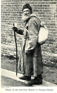Leo Tolstoy on the road from Moscow to Yasnaya Polyana. (via The Last Days of Leo Tolstoy: Chapter III)