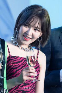 Kpop Girl Groups, Korean Girl Groups, Kpop Girls, Wendy Red Velvet, Kim Yerim, Peek A Boos, Beautiful Asian Girls, My Baby Girl, Korean Singer