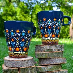 Stone Art Painting, Dot Art Painting, Mandala Painting, Ceramic Painting, Mandala Dots, Mandala Design, Mandala Art Lesson, Painted Coffee Mugs, Pottery Painting Designs