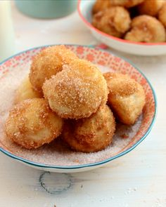 Skinny Bakery Style Donut Holes: only 22kcals each and they're so good! | honey & figs