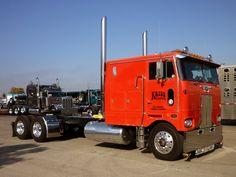 Photo: P1440286edit | 75th Anniversary All Peterbilt Show - Stockton California 2014 album | Mackinac359 Big Rig Trucks, Semi Trucks, Cool Trucks, Peterbilt 379, Peterbilt Trucks, Custom Big Rigs, Custom Trucks, 5th Wheel Trailers, Stockton California