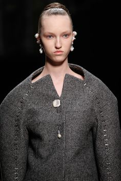 Balenciaga Fall 2015 Ready-to-Wear Accessories Photos - Vogue Fashion Models, Fashion Show, Fashion News, Alexander Wang, New Balenciaga, Bubble Skirt, Fashion Details, Fashion Design, New Shape