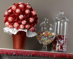 Lollipop Bouquet. Easy to make for a Valentine's Day centerpiece. CraftsnCoffee.com